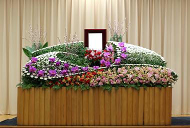 カーネーション 桜 花祭壇 豊川 花屋 花夢