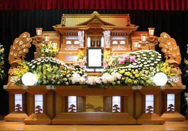 ピンポンマム 花祭壇 豊川 花屋 花夢
