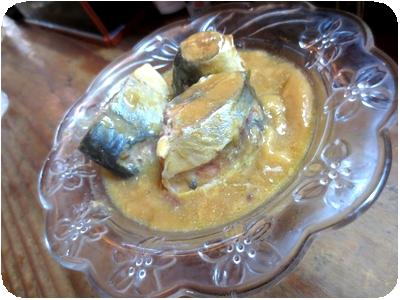 サバの味噌煮缶