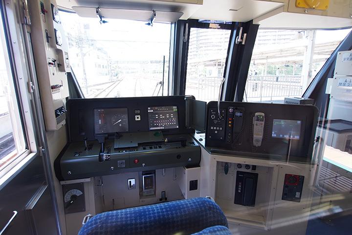 20160504_tokyo_metro_16000-cab01.jpg