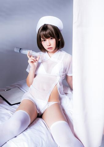 【エロコス】日本一のコスプレイヤー・えなこ、バスト透けるナース服がSEXY 最高の「コスプレ×グラビア」披露