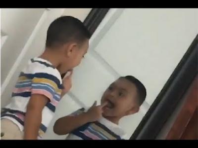 【衝撃!】恐怖・・・鏡の中の子供が少し早く動いた・・・