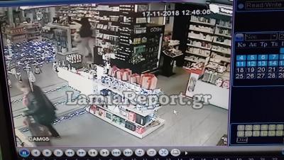 【衝撃!】お店にバンが突っ込んだ・・・お婆ちゃんの命は?(観覧注意!)