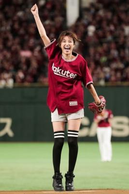 【芸能人サプライズ(海外)】楽天イニエスタ選手が東京ドームににサプライズ登場!始球式は木下優樹菜!