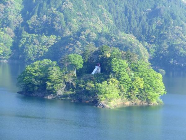 朝の早明浦ダム湖