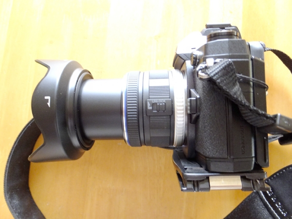 9~18mm F4,0~5,6沈胴ボタン