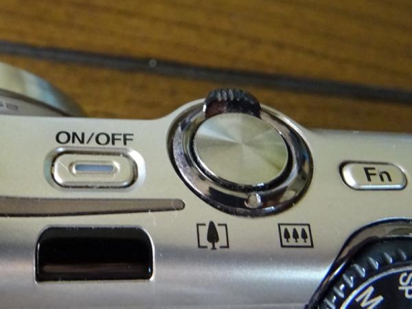 F770の電源ボタン