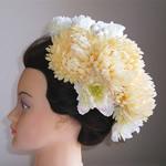 オフ手毬菊とシャクヤクの和装髪飾り