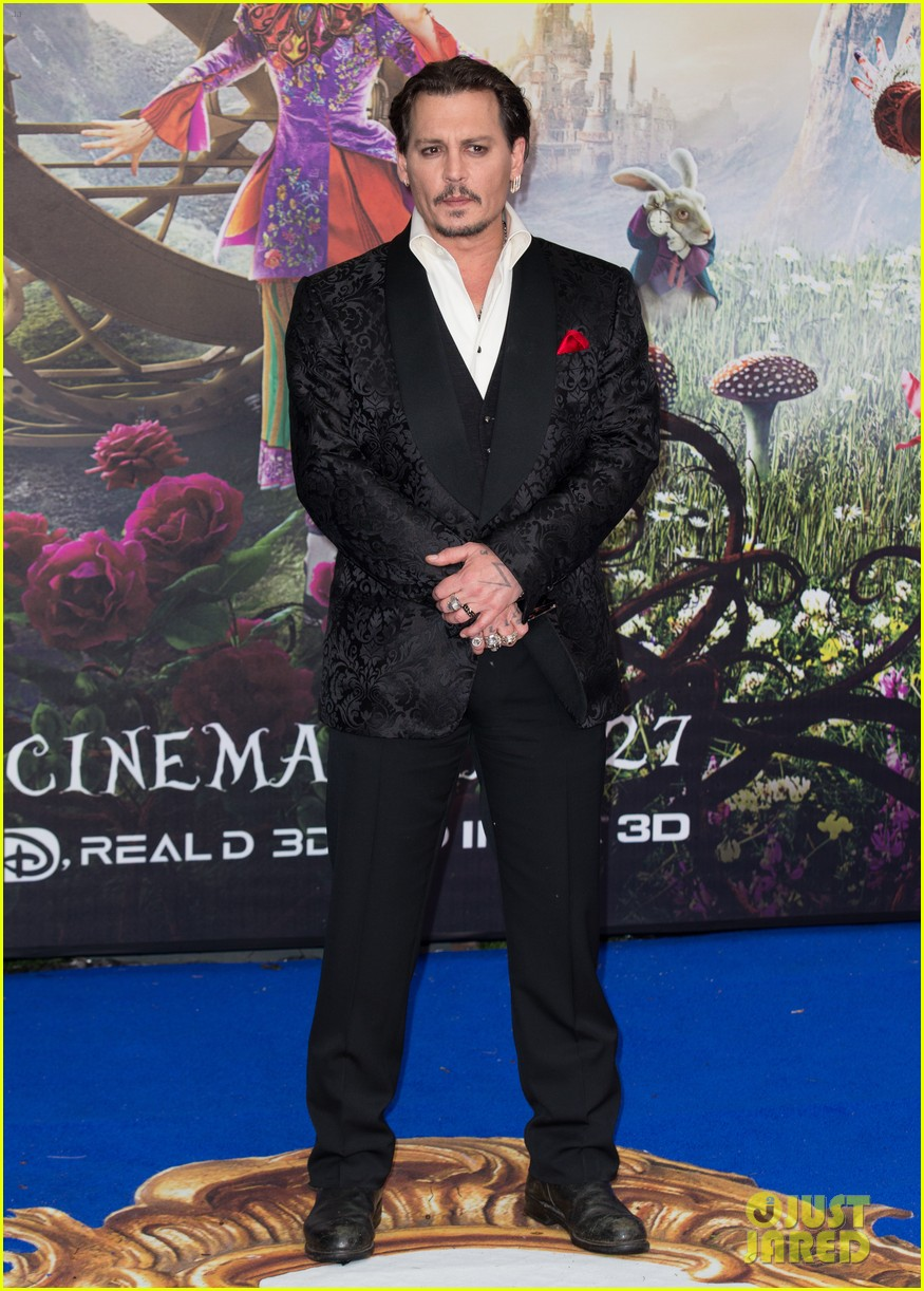 johnny-depp-alice-through-looking-glass-premiere-01.jpg