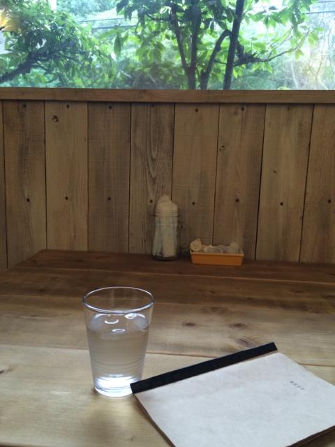 セルフリノベーションしたおしゃれカフェ -by the sea-