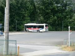 電大バス駐車場に駐まっているKKJ車