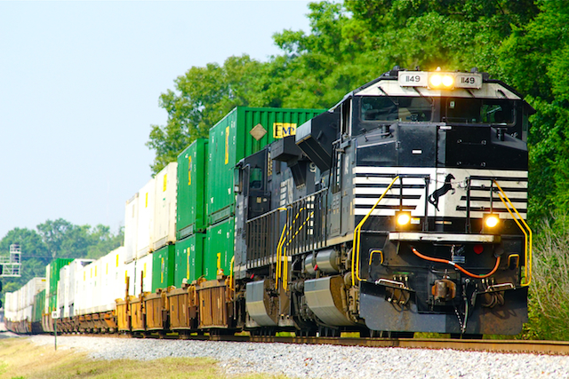 Aug2616 NS1149 Countainer Irondale2