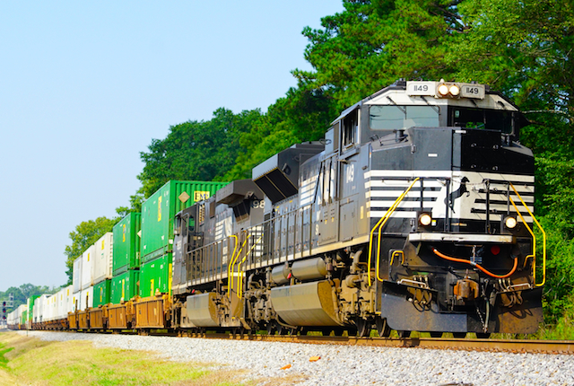 Aug2616 NS1149 container Irondale1