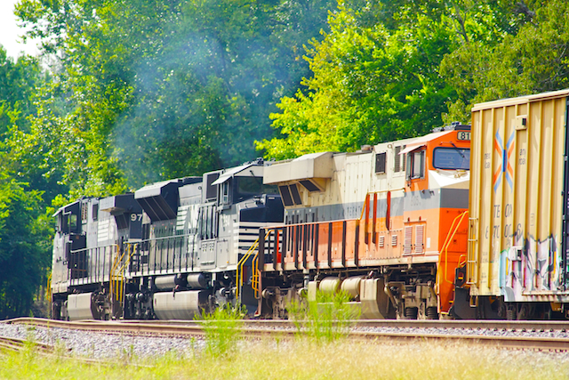 Sep1116 NS8105 Interstate Trailing irondale2