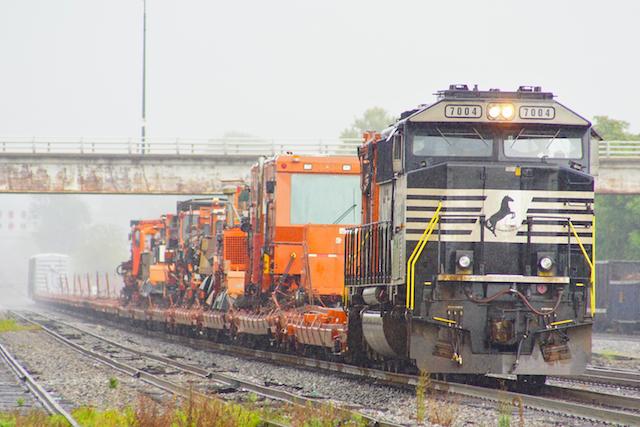 Sep1916 NS7004 MOW train-1
