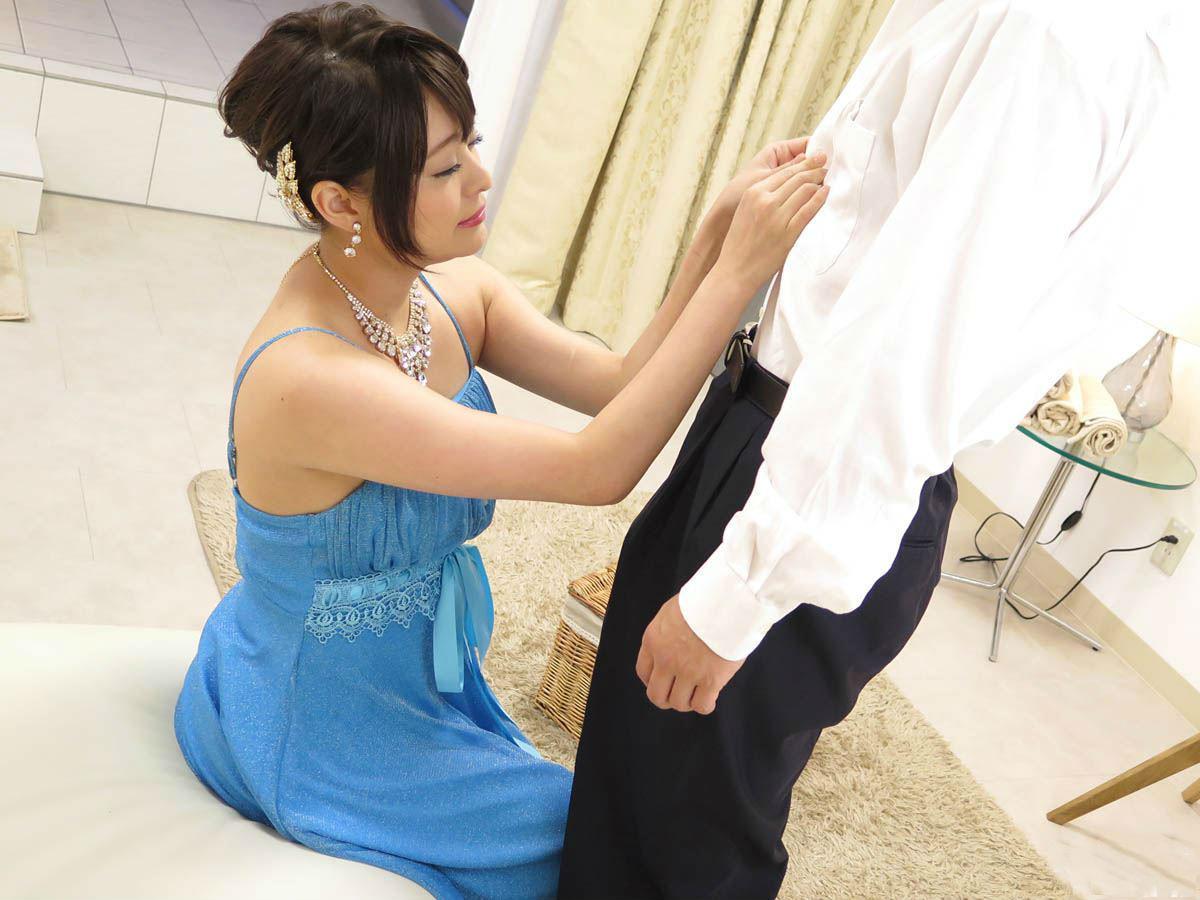 Miku_Aoyama_soap01.jpg