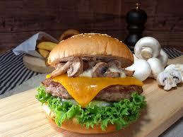 クラシックマッシュルームチーズバーガー