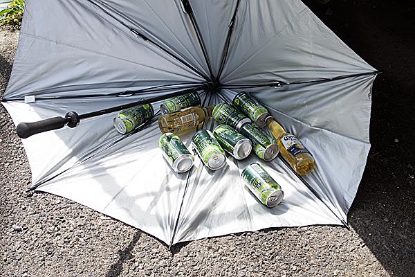 傘とビール