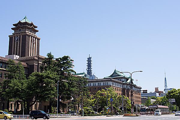 愛知県庁と名古屋市庁とテレビ塔