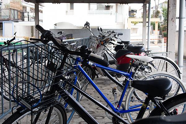 図書館の自転車置き場