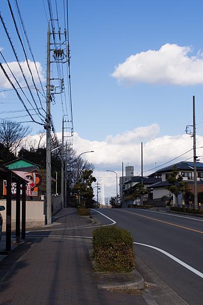 坂道と瀬戸デジタルタワー