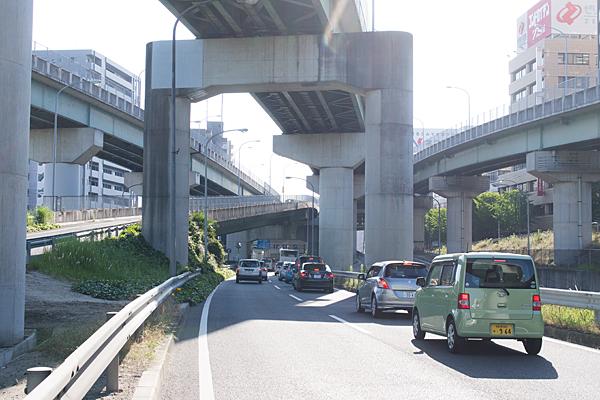 名古屋インター近くの道路