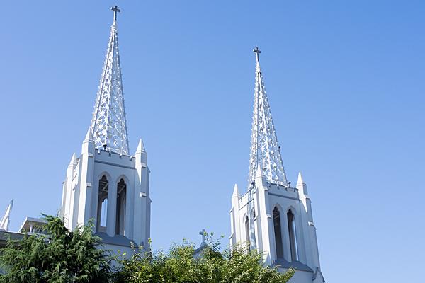 二本の尖塔