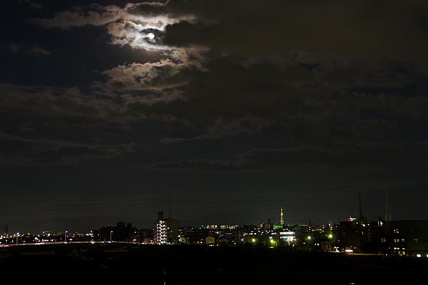 日没瀬戸方面と月