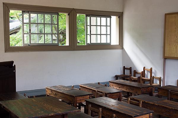 尋常小学校教室