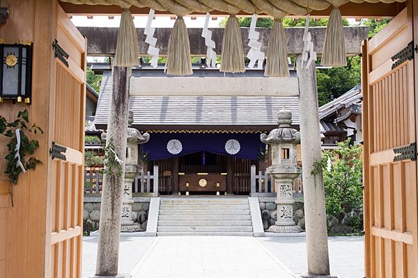 塩竈神社拝殿