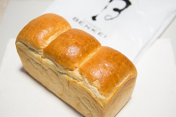 ベンケイ食パン
