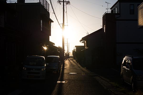 舞阪の町と夕陽