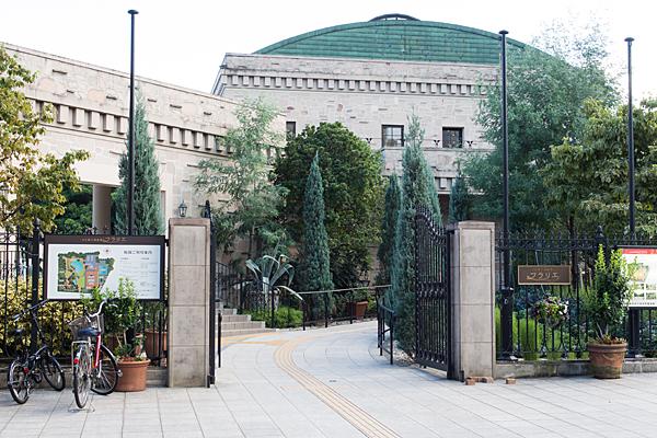 フラリエ玄関