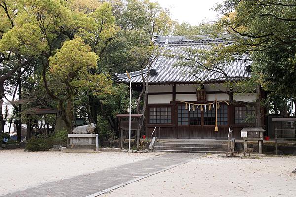 高牟神社拝殿