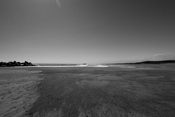 長く続く米津の浜