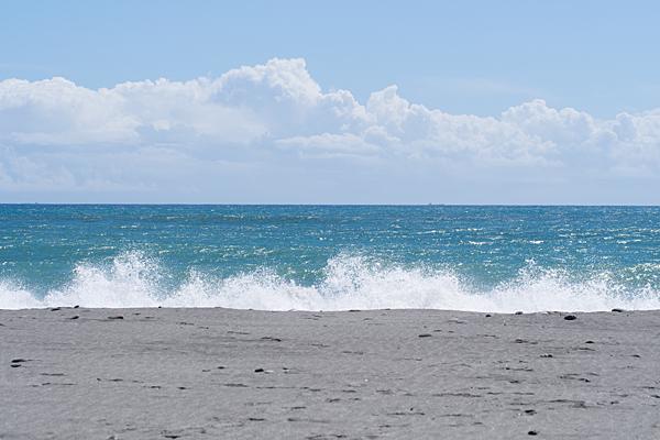 遠州灘と波打ち際