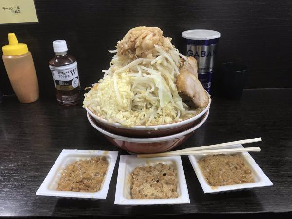 【画像】ラーメン二郎川越店で納豆販売中 ジロリアンが納豆3つ注文してラーメンに載せて食べる