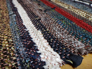 ネクタイで織った生地アップ