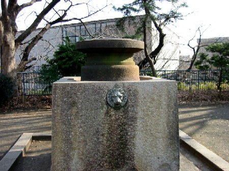 日本最初の水道の蛇口は、ライオンだった?