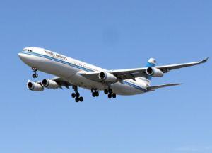 乗客の尿を集めて助かった飛行機?