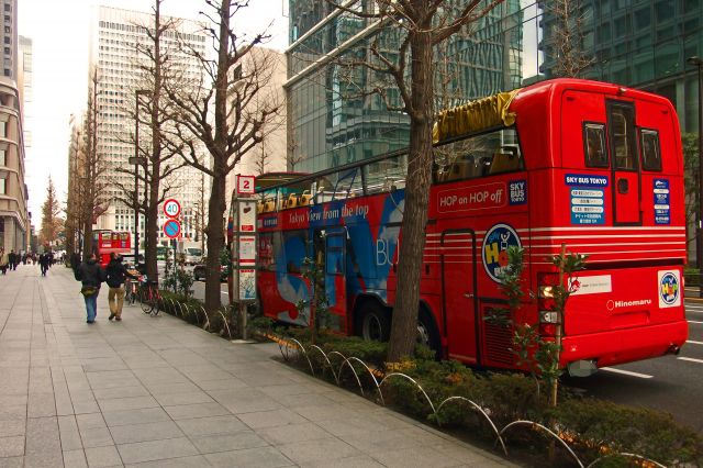 ロンドンの二階建てバスの秘密とは?