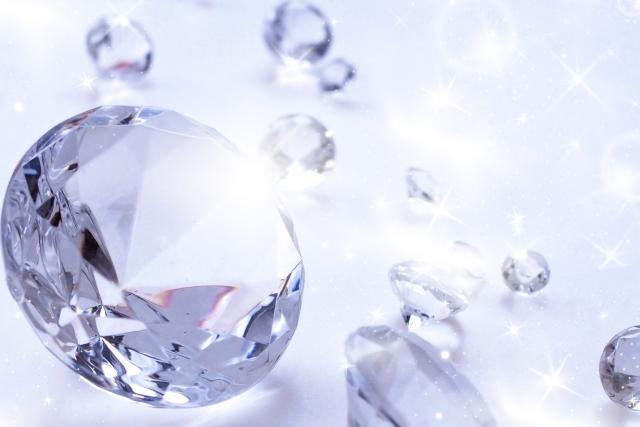 ダイヤモンドが、本物かどうか簡単に調べるには?