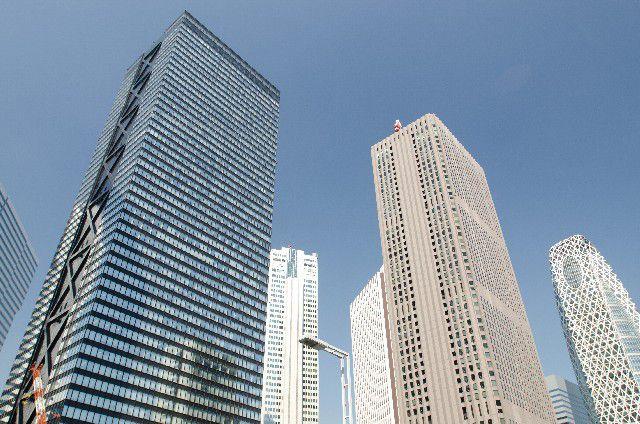 超高層ビルの最上階には、振り子がある?