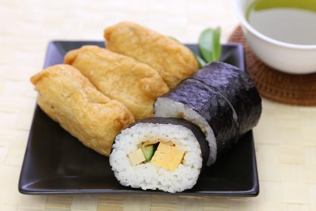 巻き寿司といなり寿司のセットを、何故「助六」と呼ぶ?