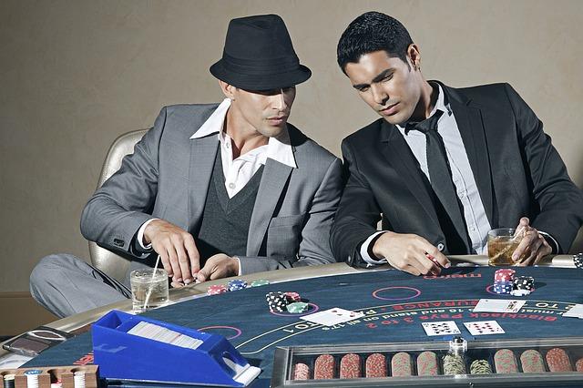 ギャンブルの生みの親は誰?