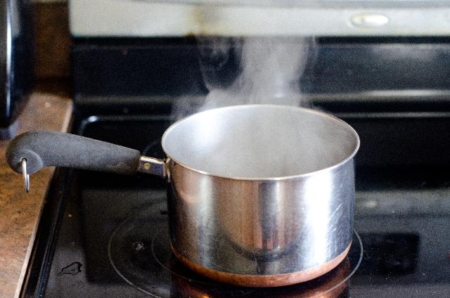 水の沸点は100℃ではない?