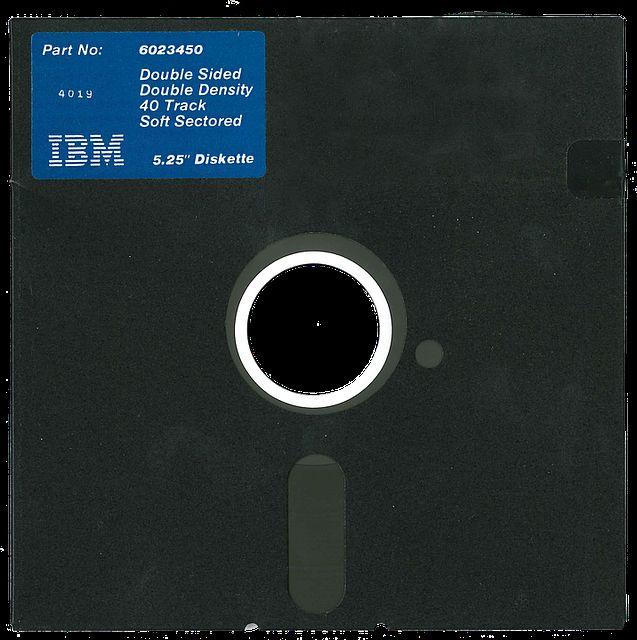 フロッピーディスクは、レコードの代わりに発明された?