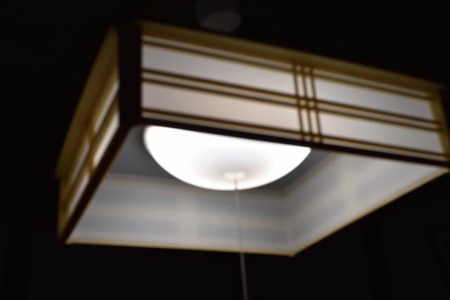 蛍光灯をこまめに消すと、電気代が余計にかかる?