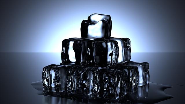 えっ? 氷は電子レンジで加熱しても解けない?