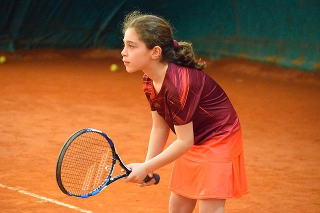 アメリカで、テニスをヒントにして生まれたスポーツは何?